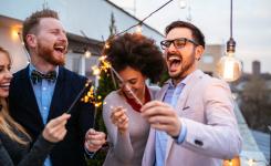 ¿Puede un vecino realizar fiestas o reuniones privadas en zonas comunes de una comunidad de propietarios?