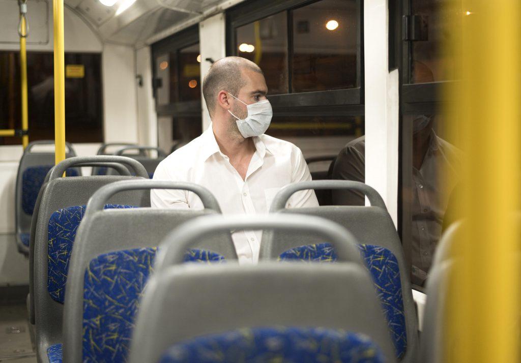 El uso de mascarilla seguirá siendo obligatorio en transporte público en la nueva normalidad